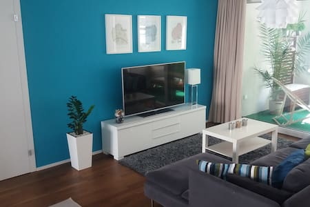 Central modern room closed to Zurich Airport (4km) - Apartamento