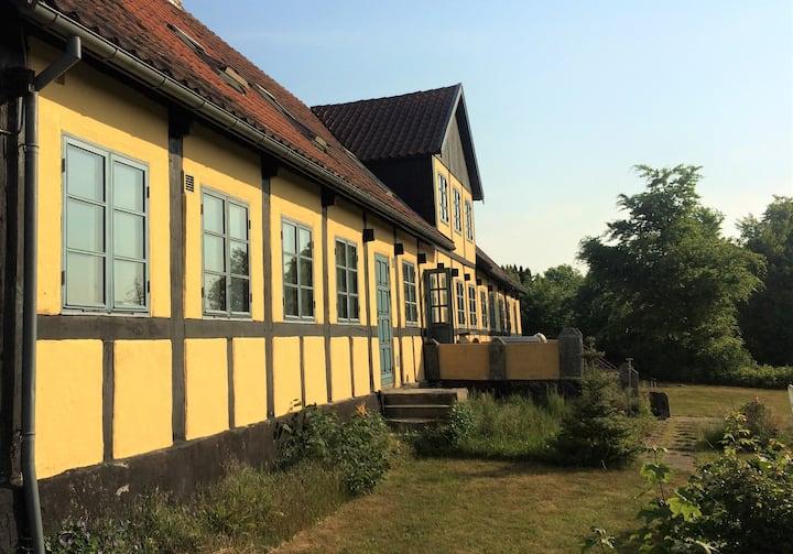 Hus på 100 m² med grønne omgivelser
