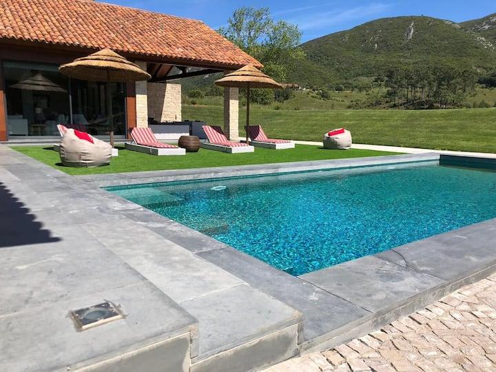 Casa com piscina na Serra Arrabida