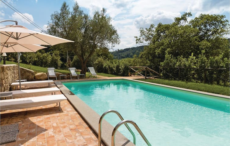 Holiday cottage with 3 bedrooms on 150m² in Castiglione in T. -VT-
