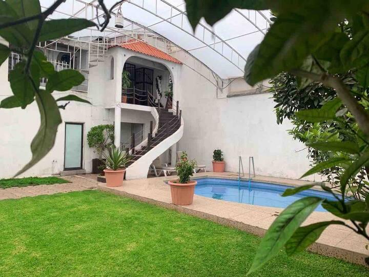 Casa Grande con alberca cerca de Malinalco.