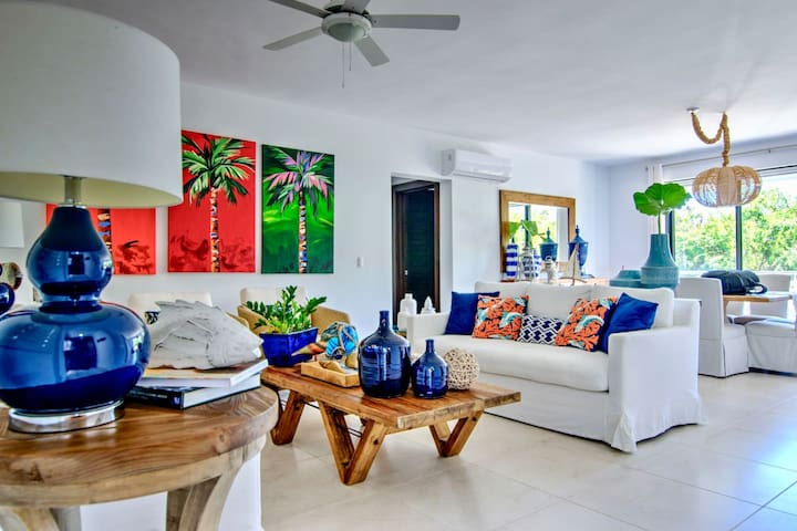 Cozy 2bd. Apt. with Exquisite Tropical Decor, Pool