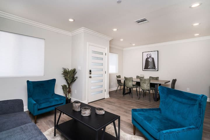 Stay Gia | Chic Modern 3BR Townhome | Silver Lake/Echo Park  D