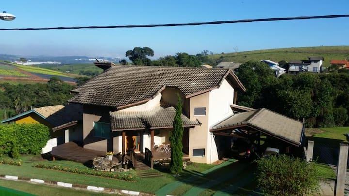 Condomínio fechado, Atibaia 100% natureza e Wi-Fi