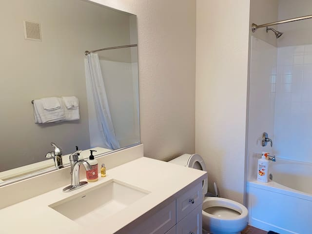 Mission Viejo private room with bathroom