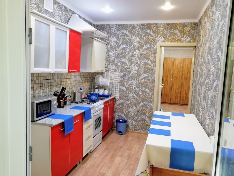Кухня полностью оборудованна