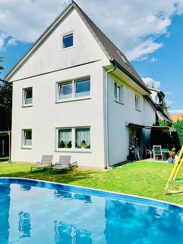 Gästehaus Falkensee, nahe Berlin mit Pool
