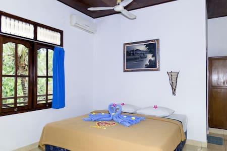 Guestroom double bed