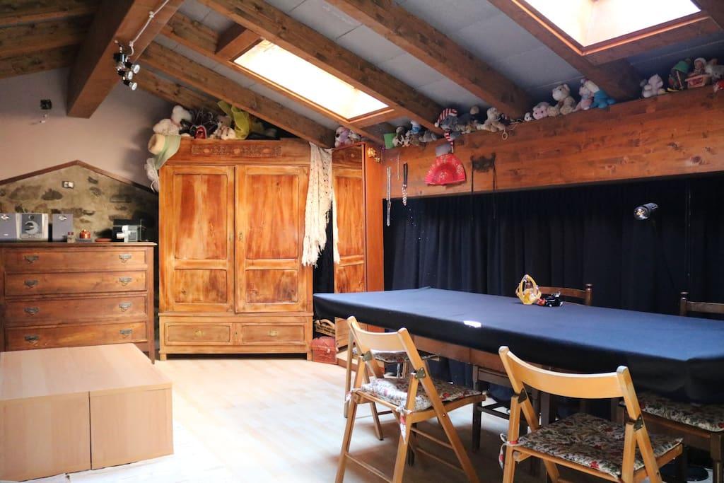 Ampia camera matrimoniale mansardata privata