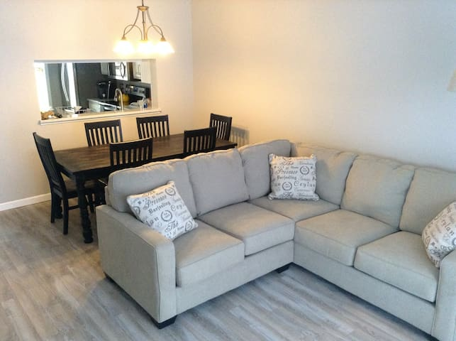 Home conveniently located! - Williston - Ev