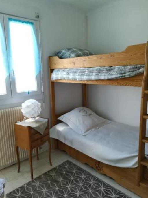 Petite chambre - lits superposés
