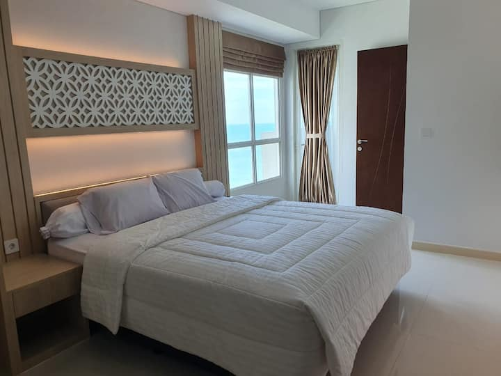 3BR Borneo Bay Apartment