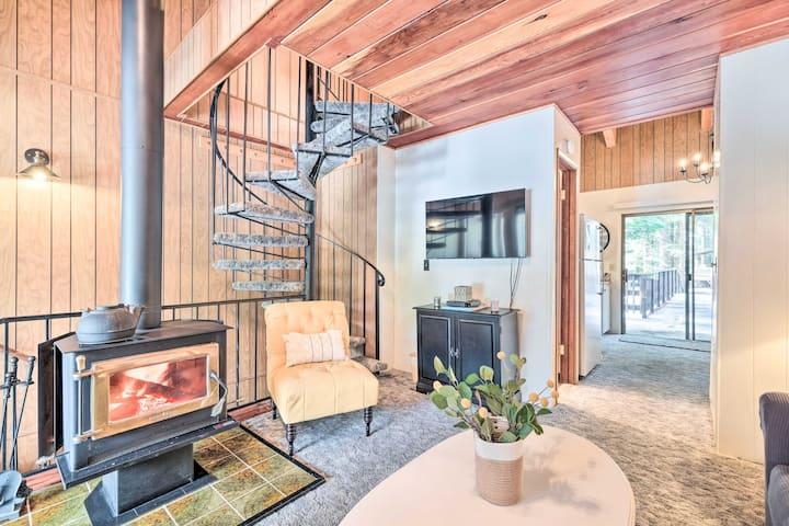 NEW! Pinecrest Retreat w/ Lake Access & Fireplace!