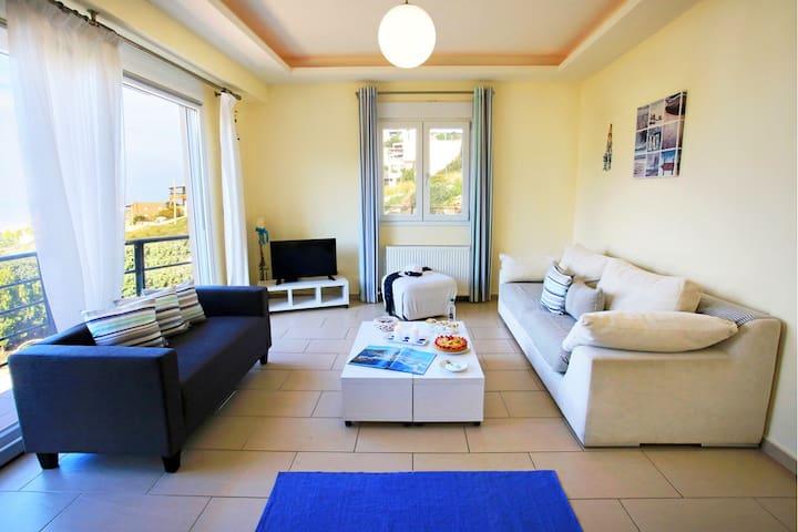 Bright, stylish villa w/ seaview, 5min to beach
