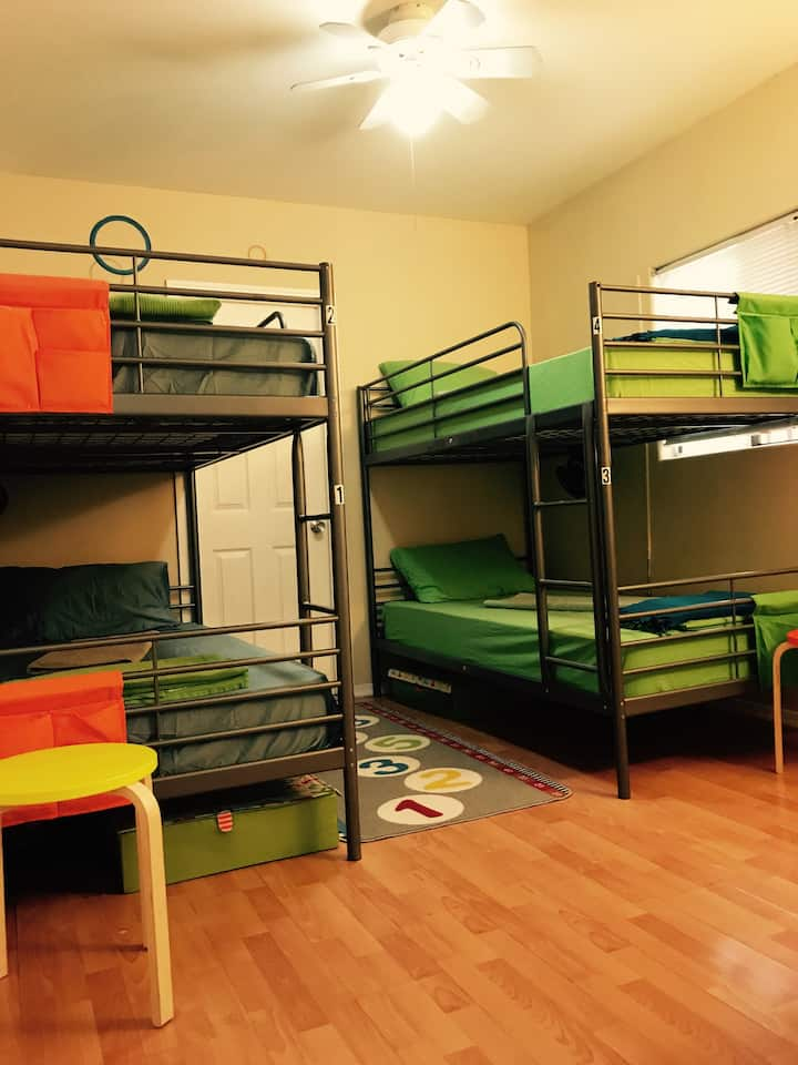 Bunk bed in a Hollywood