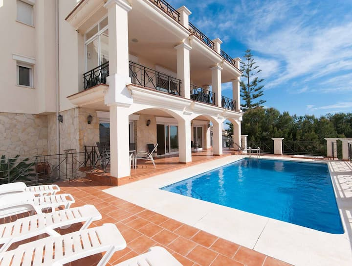 Amazing villa with sea views and private pool