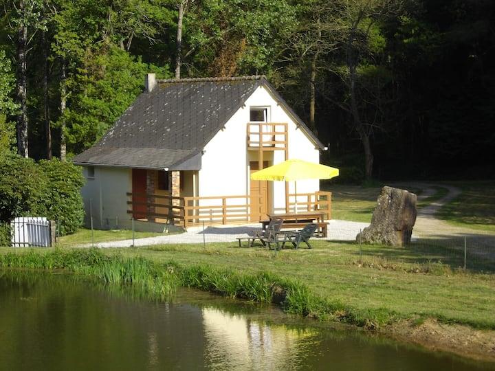 Maison au coeur d'une vallée avec étangs privés
