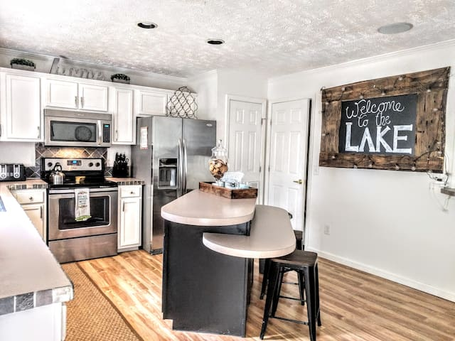 Large kitchen fully equiped