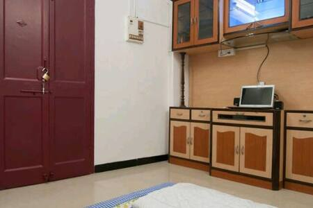 Roomate  in Colaba - Мумбаи - Квартира