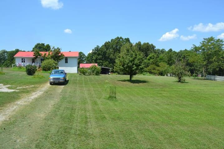Country Home backs to National Forest near River - Dora - Huis