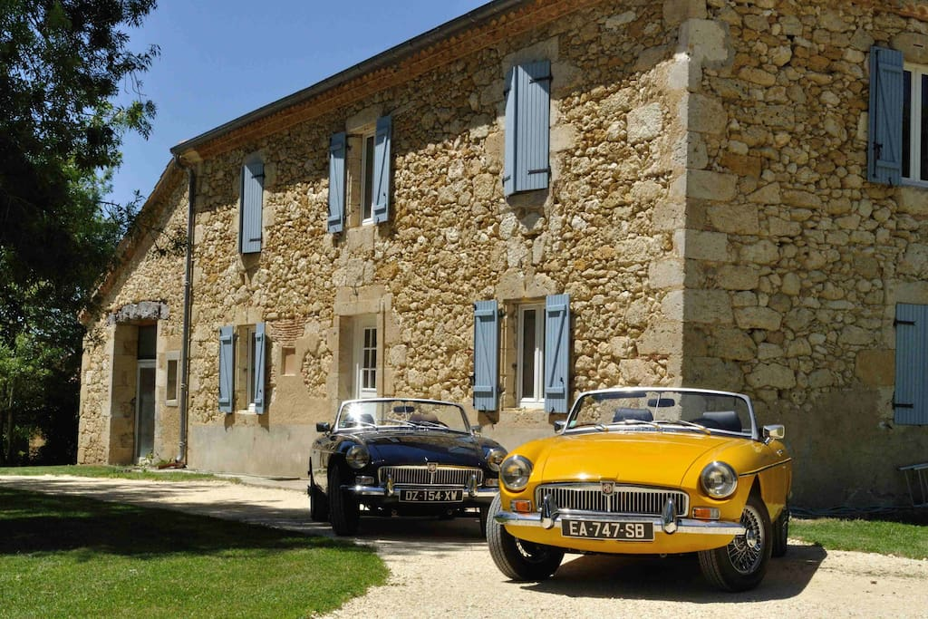 Classic cars in gers b b chambre triumph maison d 39 h tes for Chambre d hote montreal du gers