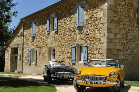 Classic Cars in Gers B&B, chambre TRIUMPH - Saint-Puy