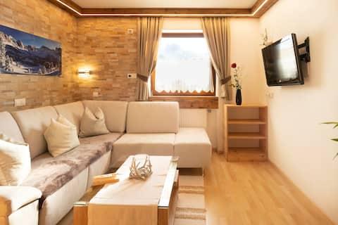 102B –  Modern Duplex Apartment