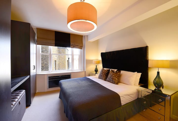 Bright and Airy Two Bed Mayfair Flat