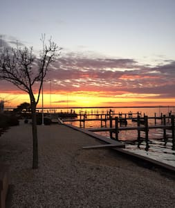 Exclusive bay front home on West Point Island. - Lavallette - Casa