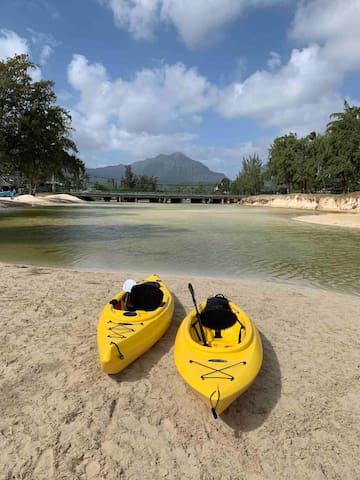 View from the end of the canal that opens up into Kailua Beach