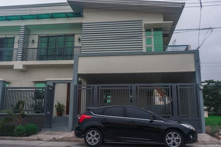 Quince East 5☆ - 4 BR Townhouse in Angeles City