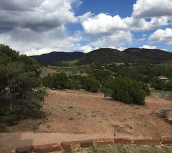 Contemporary Guest House--Close In, Great Views - Santa Fe - Bungalow