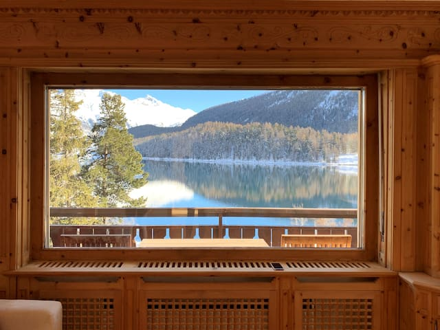 St-Moritz (CH) - Lake view central serviced apartment