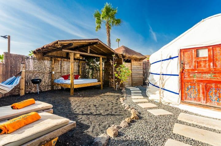 Eco Palm Yurt, Sea views, Pool, Beach, WIFI