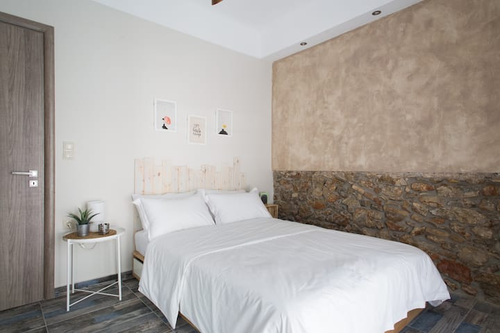 Special studio in the heart of Athens!