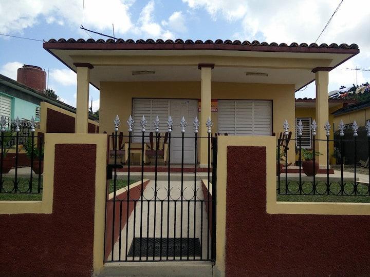 Villa Los Miranda-2 (Habitación #2)