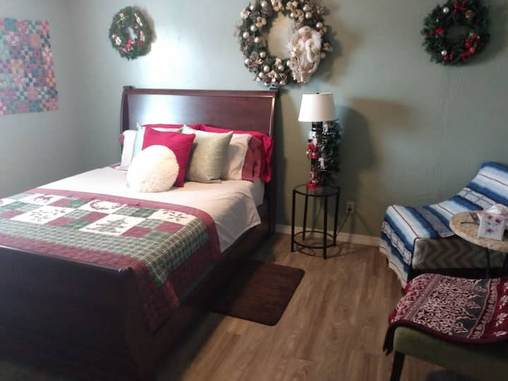 The Christmas Room with one queen size bed