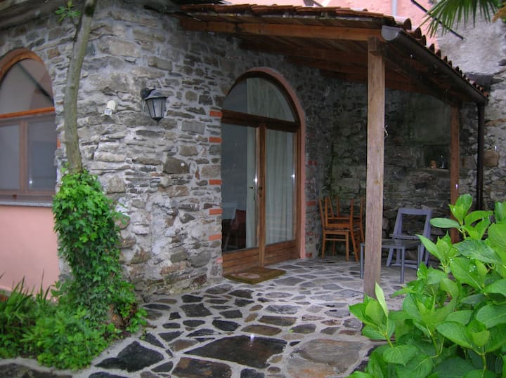 Lago D'Orta- Ameno- Garden Room  Villa do Poeta