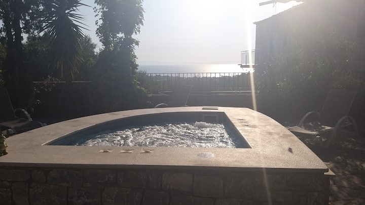 Villa Onar a stone house with view