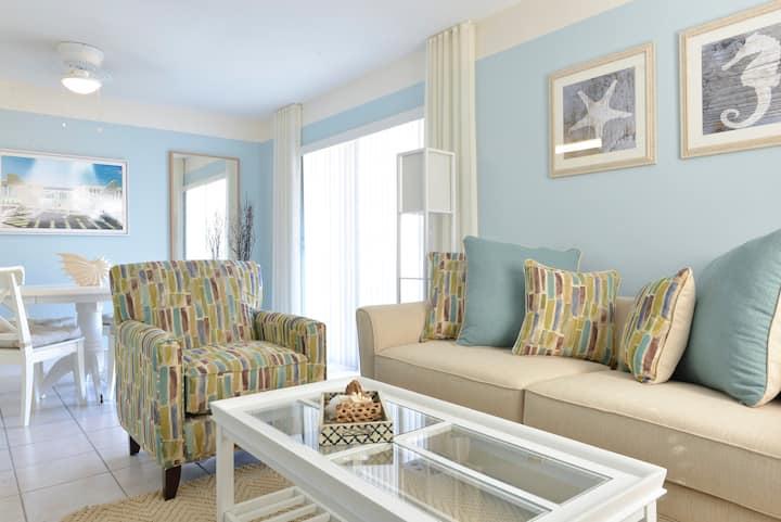 Capri - 1 Bedroom 1 King Bed Luxury Waterfront Apartment off Las Olas Boulevard