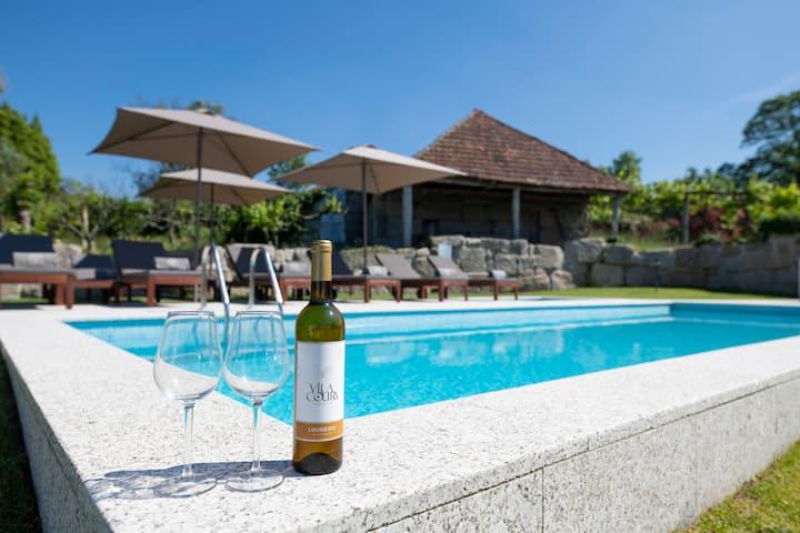 Vila Coura Farmhouse   Rural accommodation w/ pool