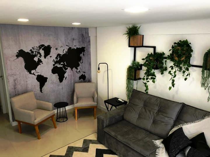 Apê 304. Novíssimo apartamento no centro de Foz.