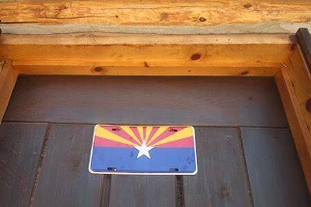 Navajo Hogan Lodge B & B,Camp