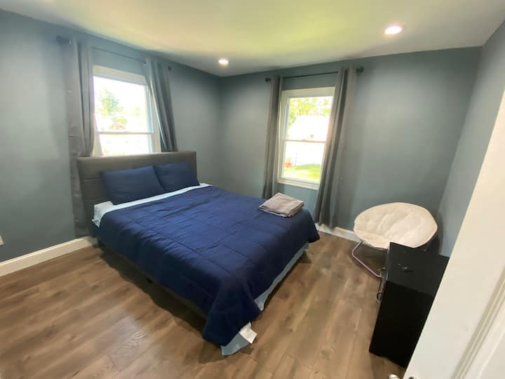 Newly renovated room close to DC