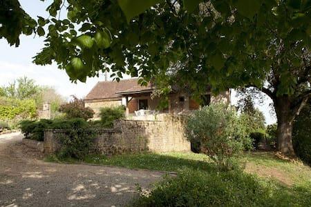 Le Chêne Centenaire - House