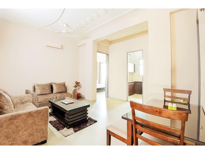 OLIVE 2 Bed Apt with Kitchen near Medanta Medicity