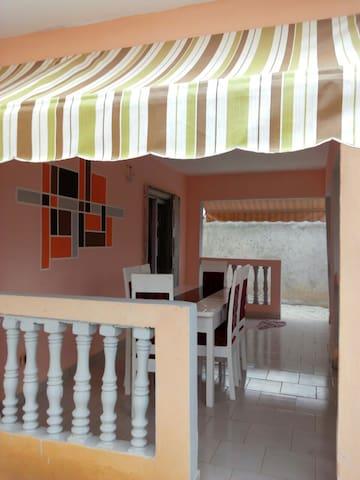Villa bel-ange privée sécurisée Bingerville - Bingerville - Hus
