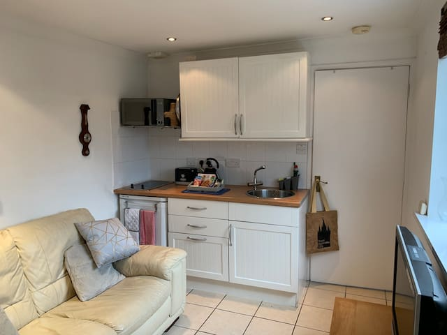 Carbis Bay Quiet Location-Small & Compact-Parking