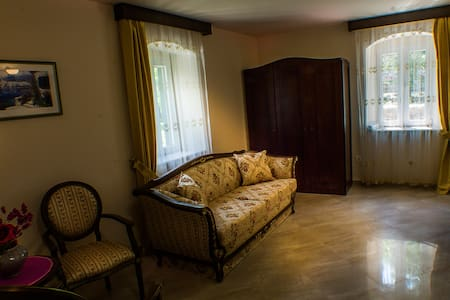 Casa Rozalija (double room with mountain view) - Kotor - Bed & Breakfast