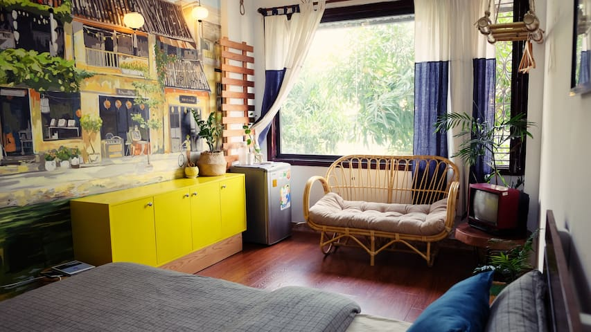 Lalahome: Calla - Sunny room with big window